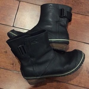 Sorry black leather slim pull on boot